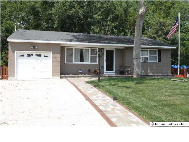 Photo of home for sale at 312 Enterprise Drive Drive, Forked River NJ