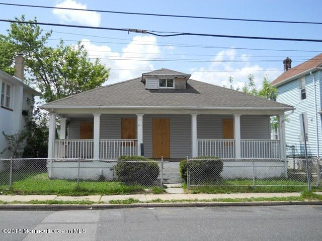 Photo of home for sale at 611 Ridge Avenue Avenue, Asbury Park NJ