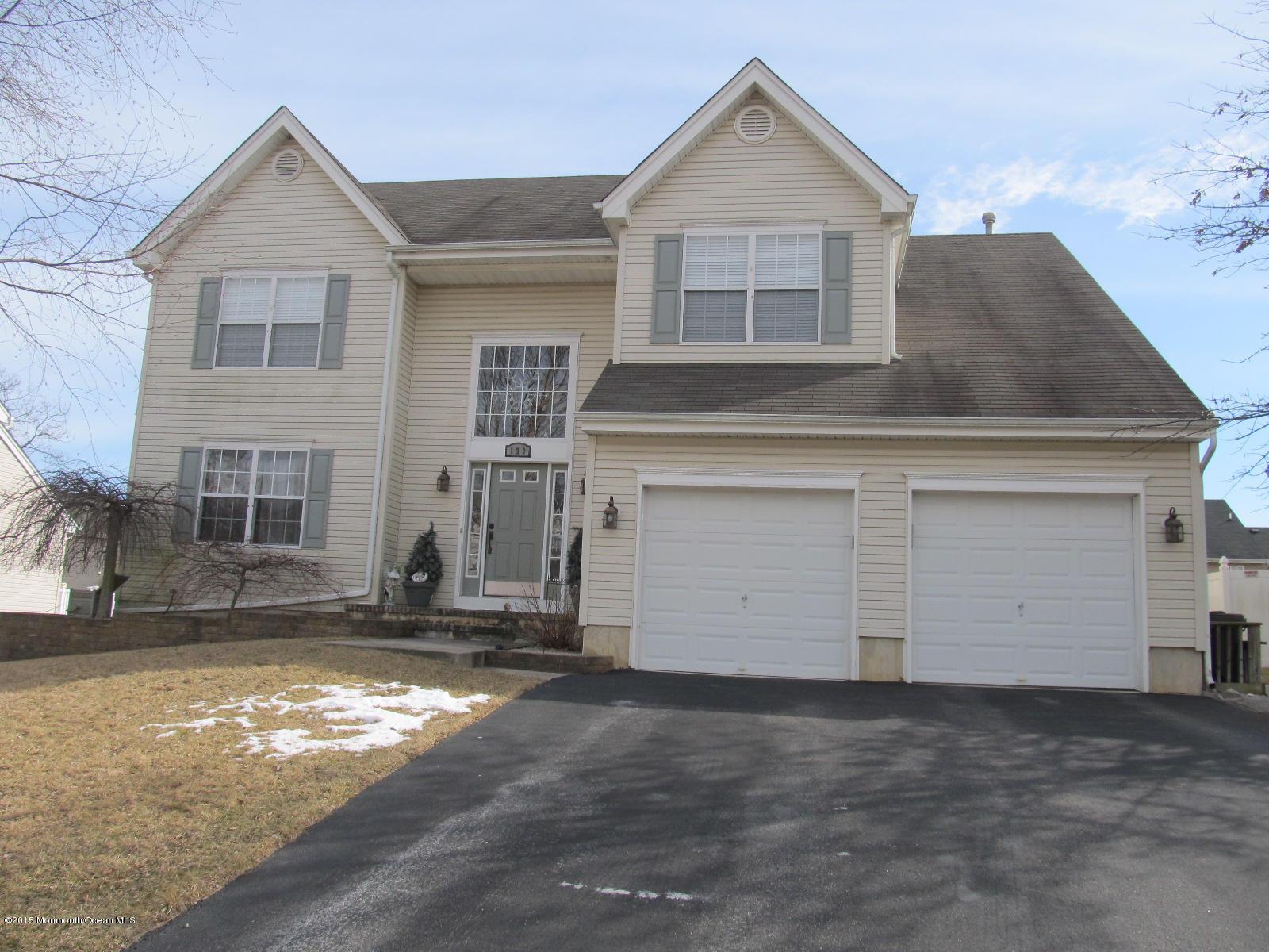 Photo of home for sale at 139 Vivas Drive Drive, Barnegat NJ