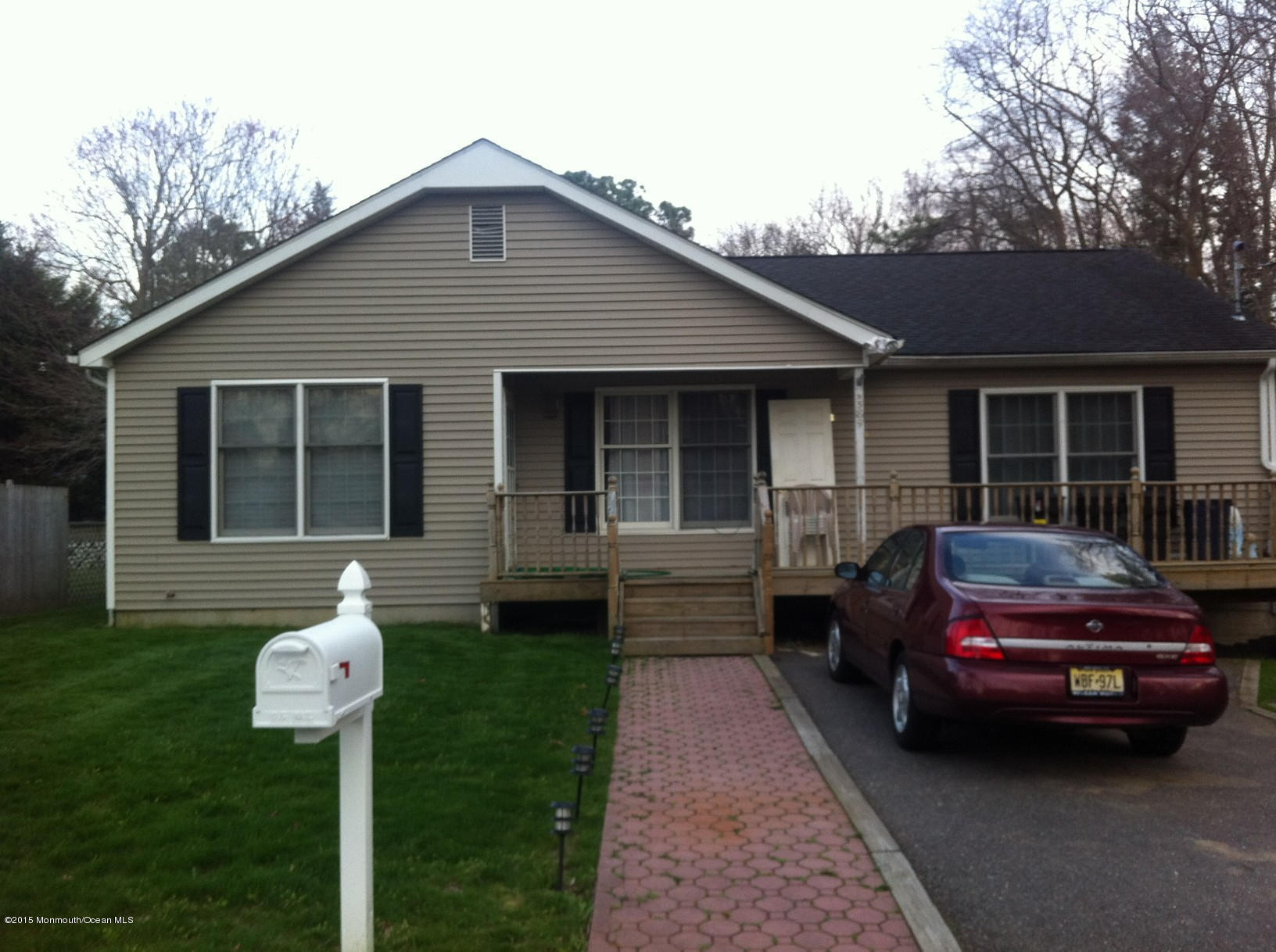 Photo of home for sale at 589 Vaughn Avenue Avenue, Forked River NJ