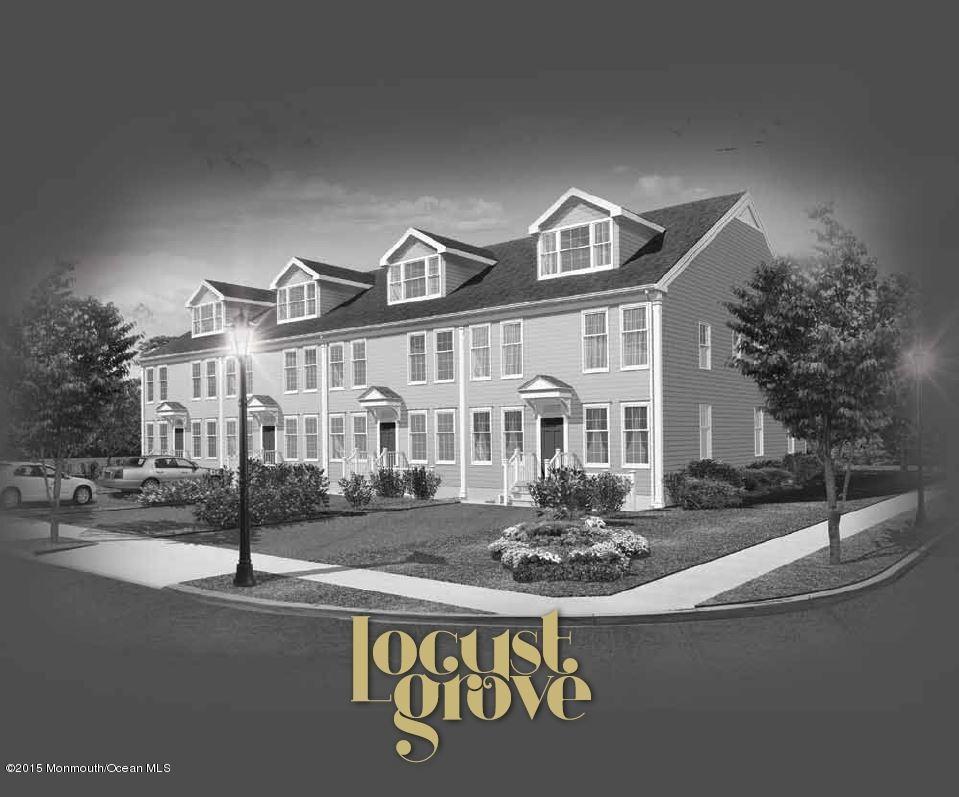 Photo of home for sale at 8 Vilna Lane Lane, Lakewood NJ