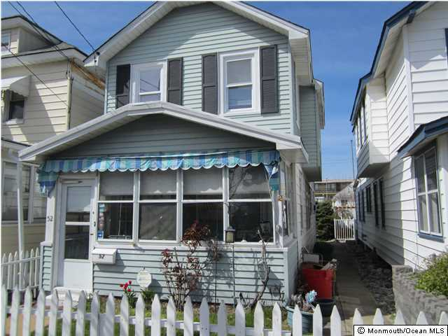 Photo of home for sale at 52 Dupont Avenue Avenue, Seaside Heights NJ