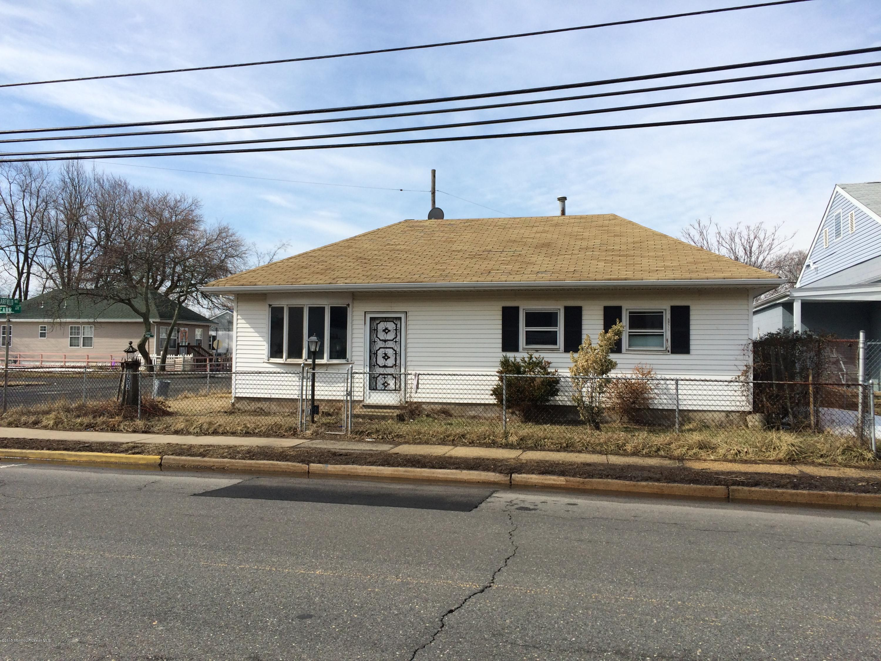 Photo of home for sale at 183 Carr Avenue Avenue, Keansburg NJ