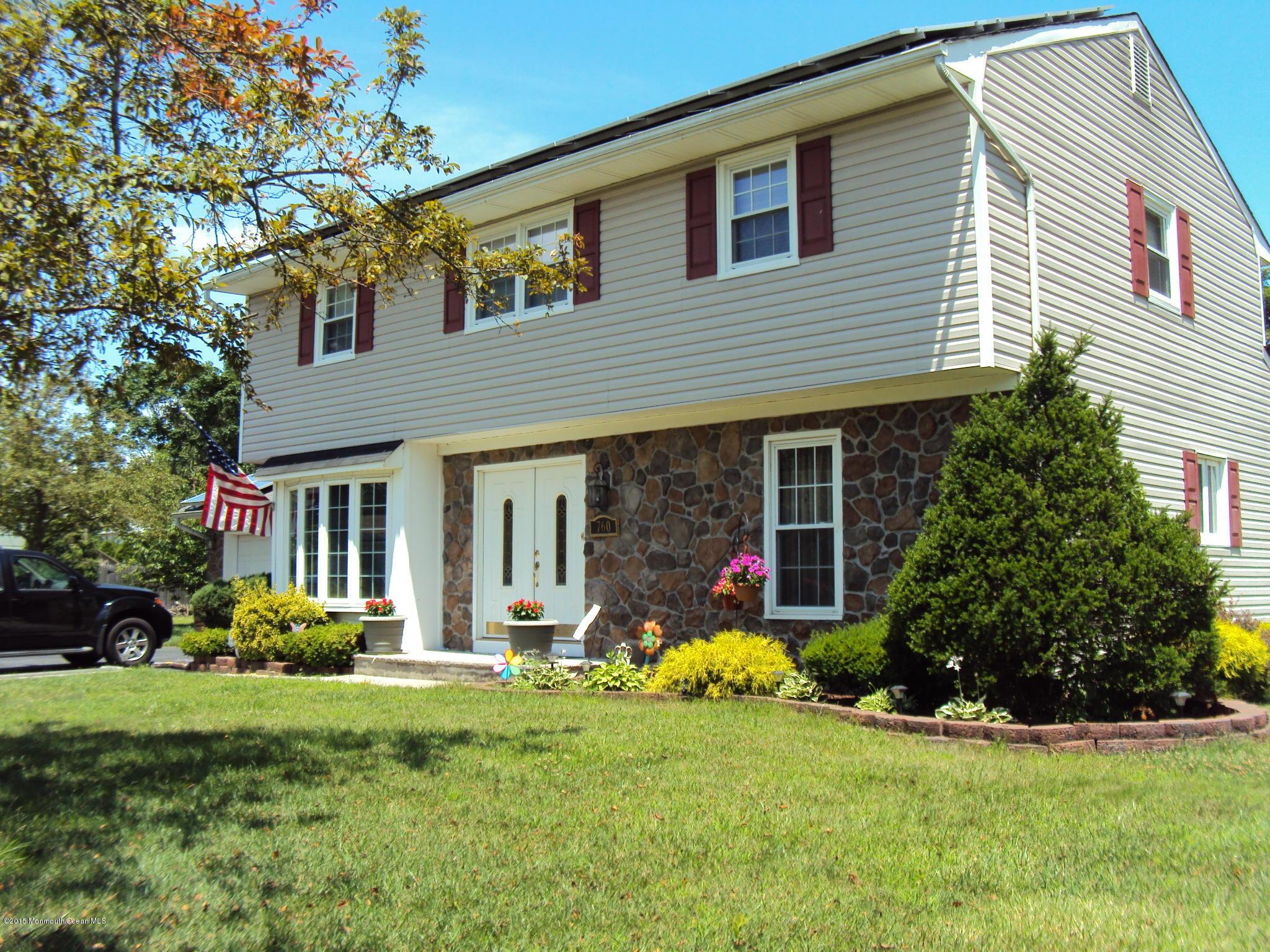Photo of home for sale at 760 Williamsburg Drive Drive, Brick NJ