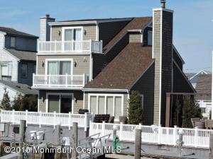 Photo of home for sale at 523 Perrine Boulevard Boulevard, Manasquan NJ