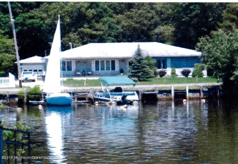 Photo of home for sale at 60 Saltspray Drive Drive, Forked River NJ