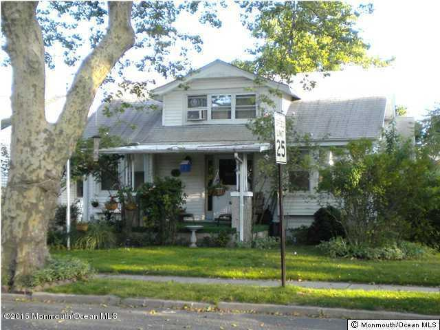 Photo of home for sale at 517 Jefferson Avenue Avenue, Avon-by-the-sea NJ