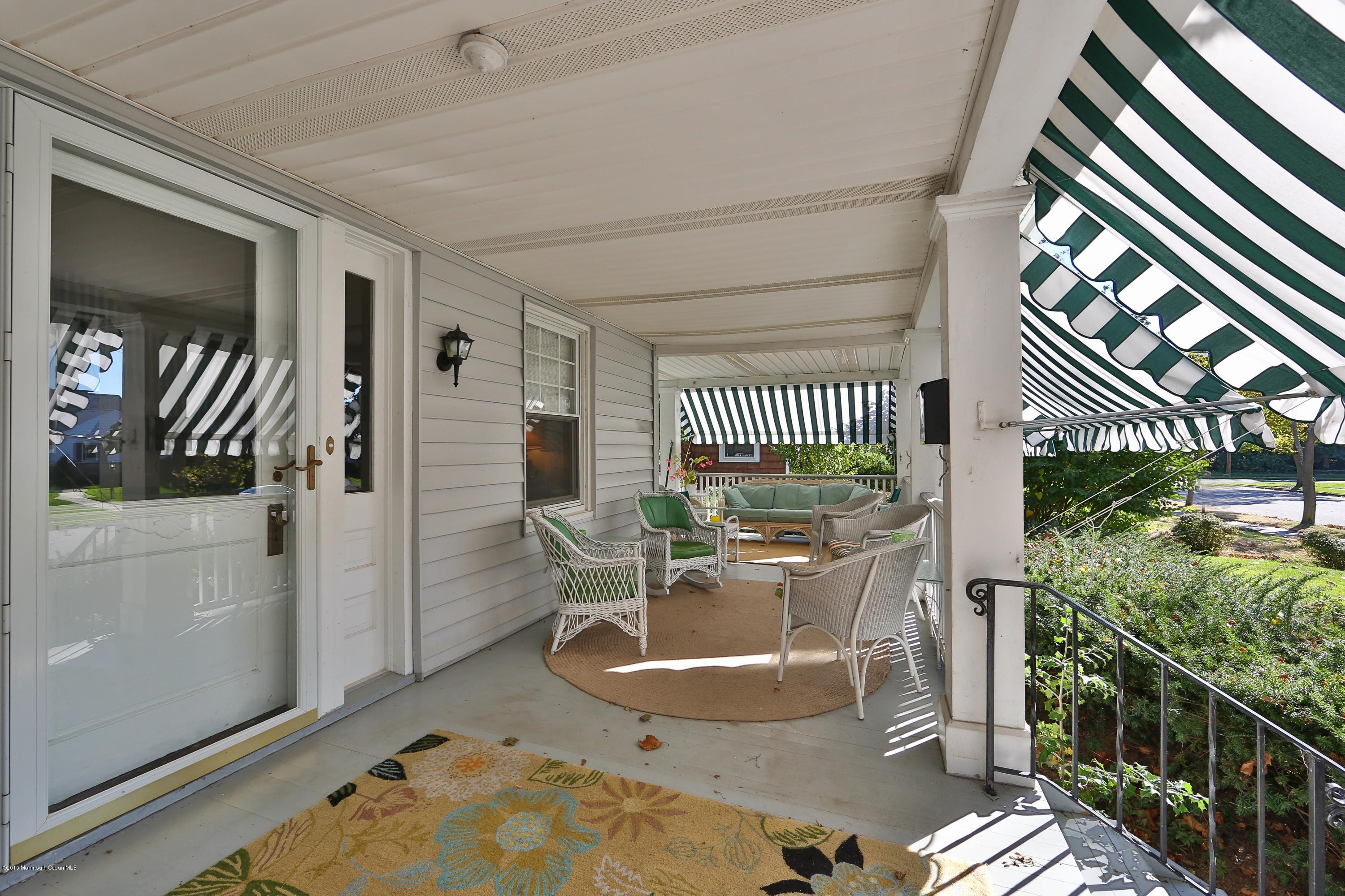 Photo of home for sale at 408 Sussex, Spring Lake NJ