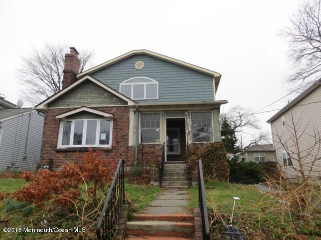 Photo of home for sale at 1317 Franklin Parkway Parkway, Ocean Twp NJ