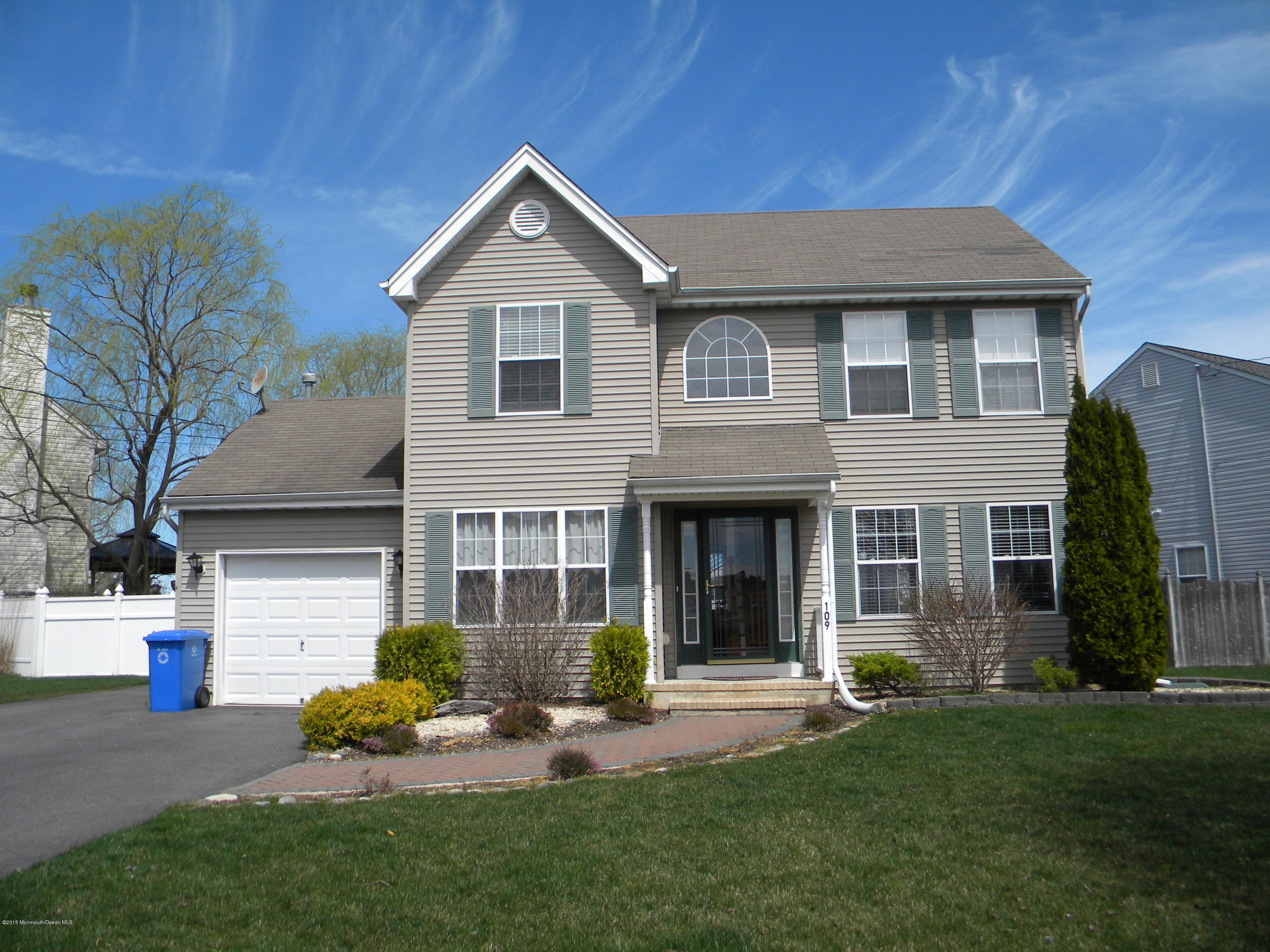Photo of home for sale at 109 Gaff Road Road, Manahawkin NJ