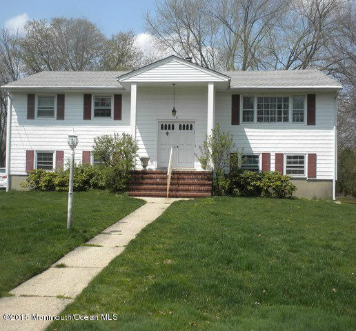 Photo of home for sale at 6 Fieldstone Lane Lane, Ocean Twp NJ