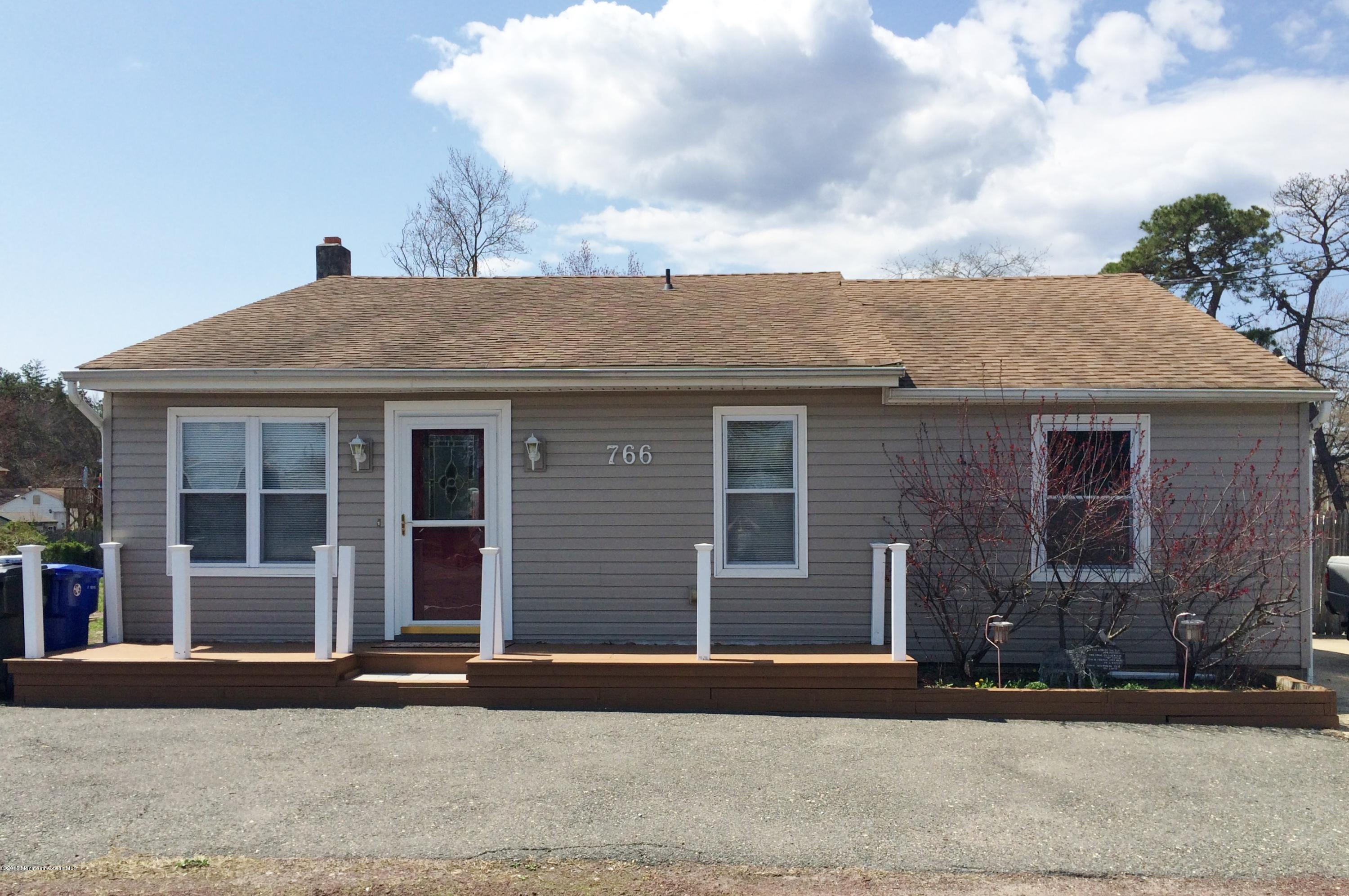 Photo of home for sale at 766 Fischer Boulevard Boulevard, Toms River NJ