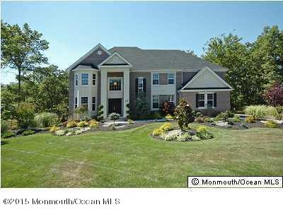 Photo of home for sale at 28 Meadow Run Court Court, Jackson NJ