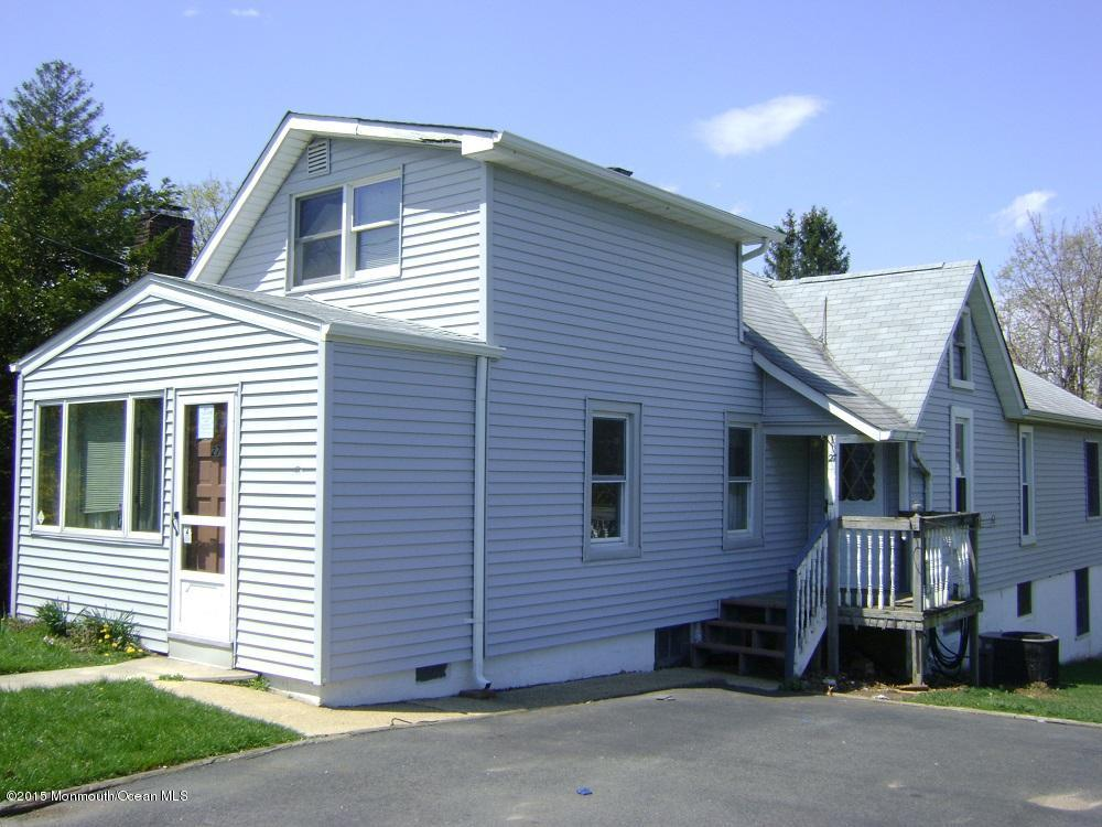 Photo of home for sale at 27 Wall Street Street, West Long Branch NJ