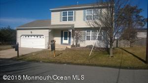 Photo of home for sale at 1552 Mermaid Avenue Avenue, Beachwood NJ