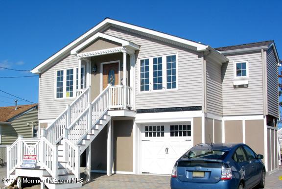 Photo of home for sale at 204 Randall Avenue Avenue, Point Pleasant Beach NJ