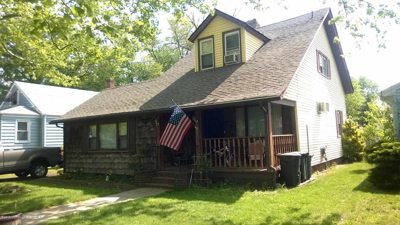 Photo of home for sale at 60 Morningside Avenue Avenue, Keansburg NJ