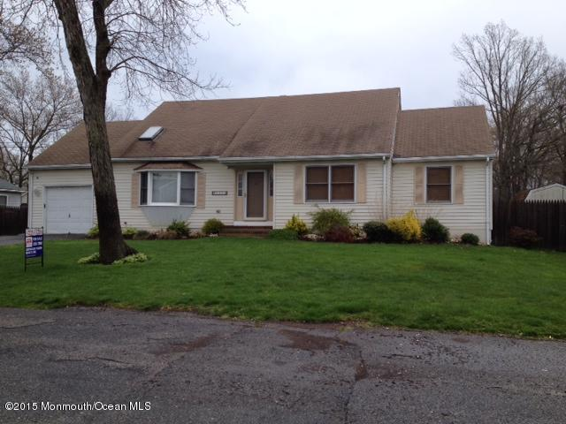 Photo of home for sale at 1153 Eugene Drive Drive, Toms River NJ