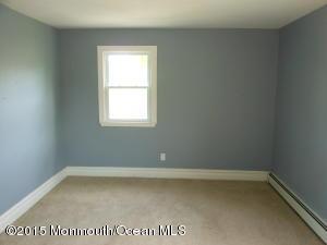 Photo of home for sale at 500 Cliffwood Avenue Avenue, Matawan NJ
