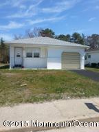 Photo of home for sale at 808 Jamaica Boulevard Boulevard, Berkeley NJ