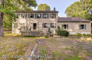 Photo of home for sale at 12 Eleanor Lane Lane, Roosevelt NJ