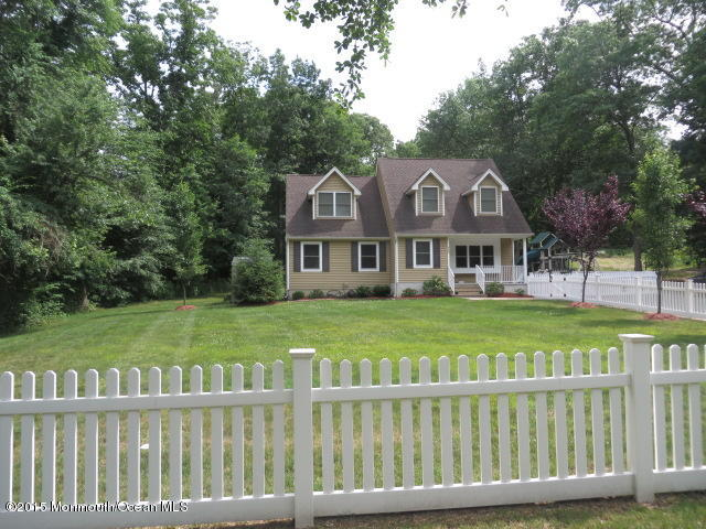 Photo of home for sale at 935 Bethel Church Road Road, Jackson NJ