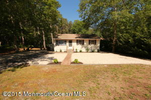 Photo of home for sale at 93 Serpentine Drive Drive E, Bayville NJ