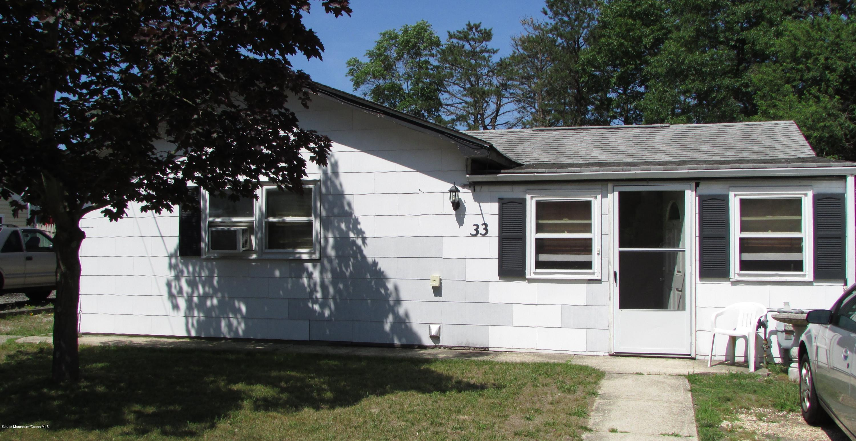 Photo of home for sale at 33 Bayberry Drive Drive, Waretown NJ