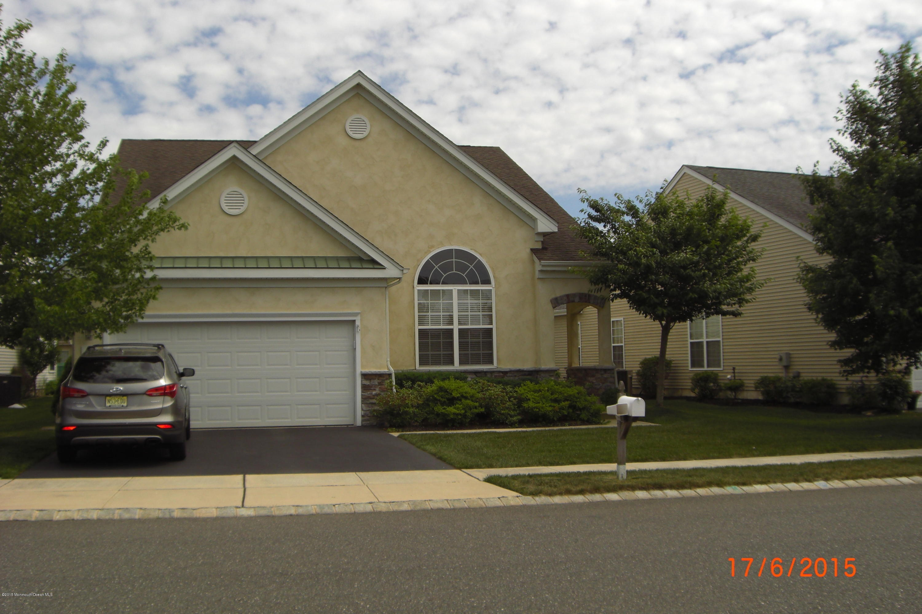 Photo of home for sale at 21 Hatteras Way Way, Barnegat NJ