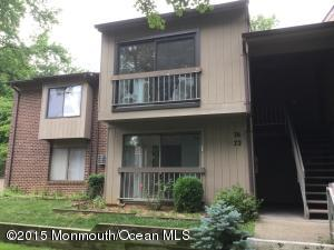Photo of home for sale at 76 Lexington Court Court, Red Bank NJ