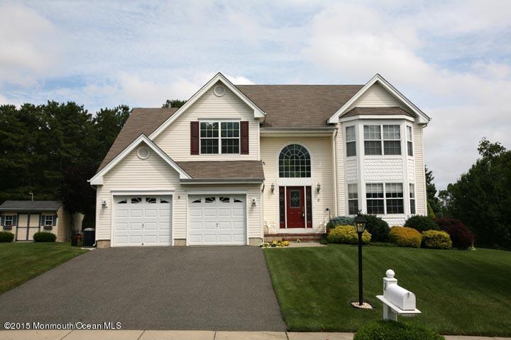 Photo of home for sale at 2 Dori Lane Lane, Barnegat NJ