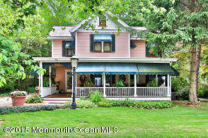 Photo of home for sale at 408 Conover Avenue Avenue, Middletown NJ