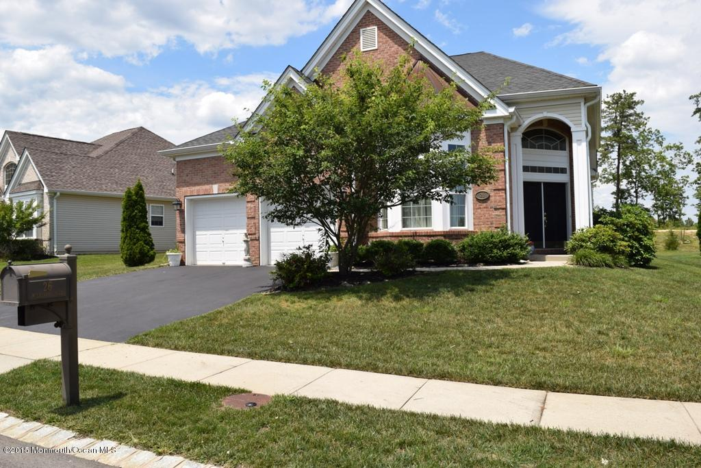 Photo of home for sale at 26 Mulberry Drive Drive, Manahawkin NJ