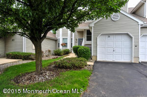 Photo of home for sale at 34 Pagoda Lane Lane, Freehold NJ