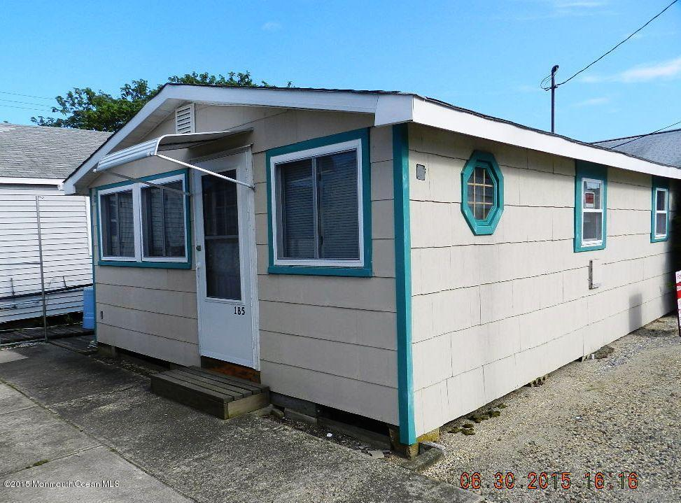 Photo of home for sale at 185 Central Avenue Avenue W, South Seaside Park NJ