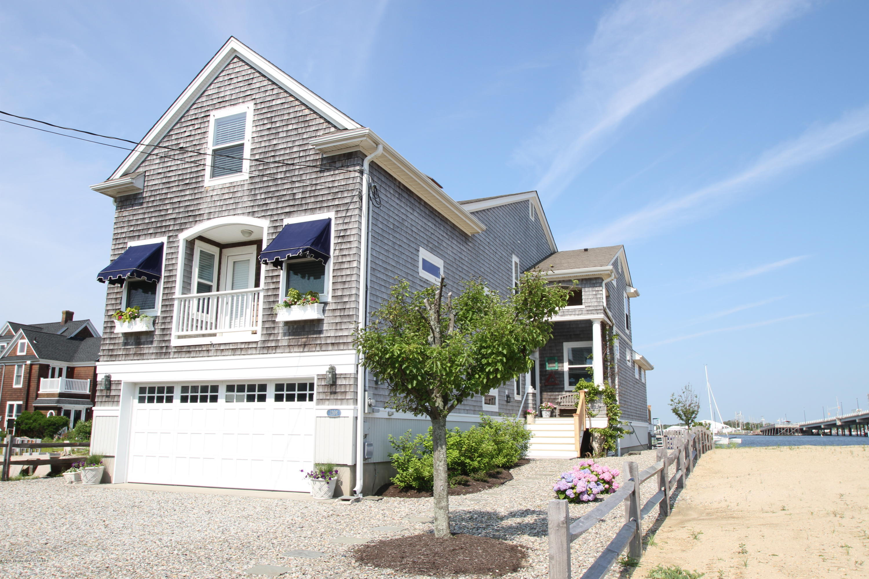 Photo of home for sale at 1208 Bay Avenue Avenue, Mantoloking NJ