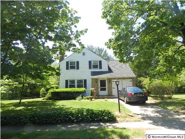 Photo of home for sale at 36 Grant Place Place, Little Silver NJ