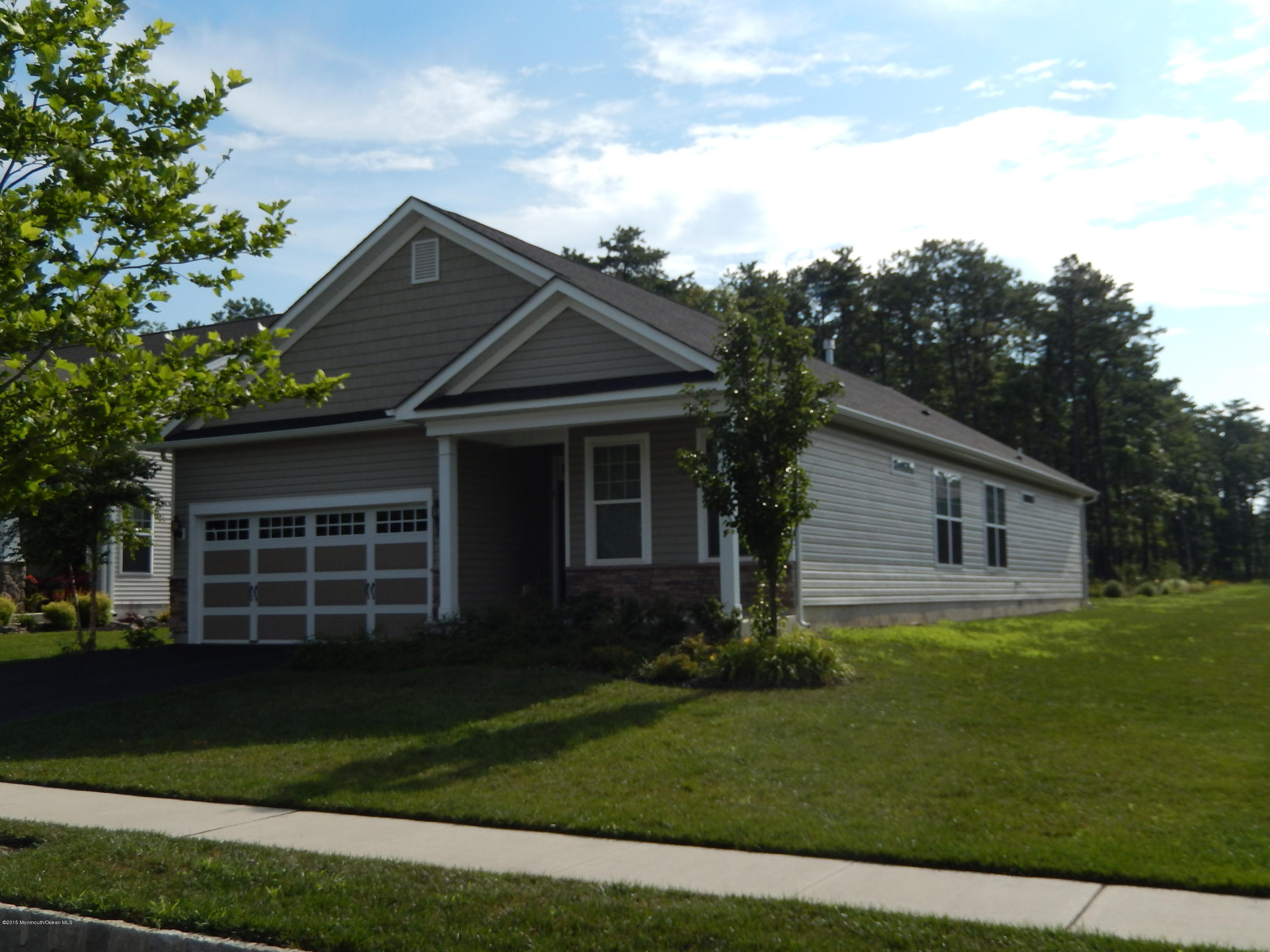 Photo of home for sale at 6 Chatham Road Road, Little Egg Harbor NJ