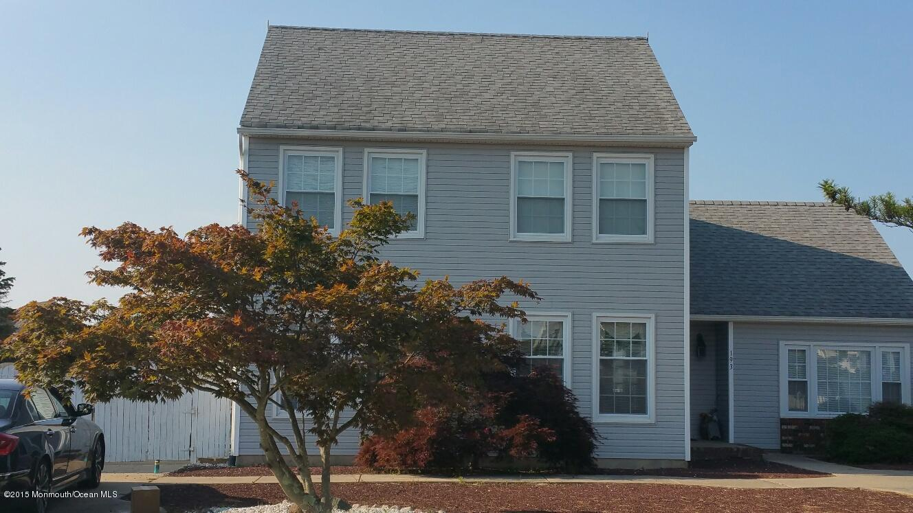 Photo of home for sale at 193 Bruce Drive Drive, Manahawkin NJ
