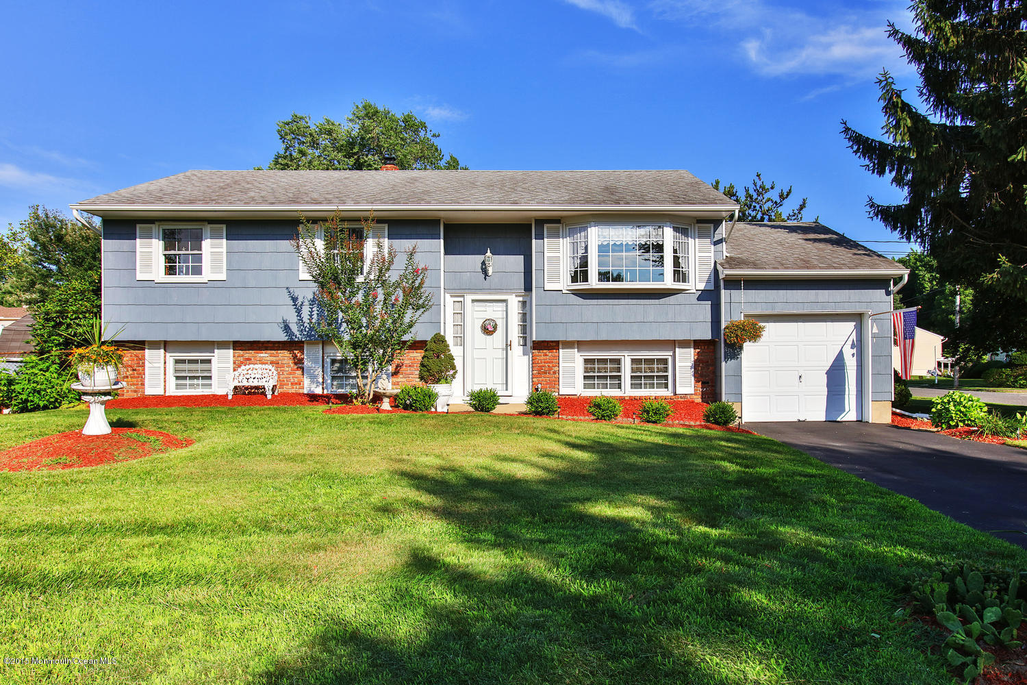 Photo of home for sale at 2 Golf Court Court, Neptune Township NJ