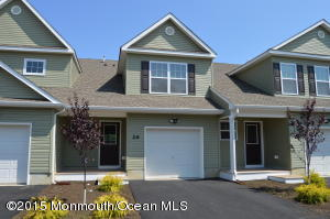 Photo of home for sale at 21 Wiley Way Way, Toms River NJ