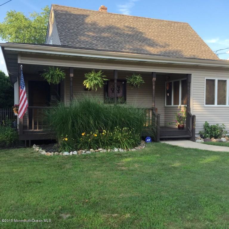 Photo of home for sale at 136 Atlantic Avenue Avenue, Manasquan NJ