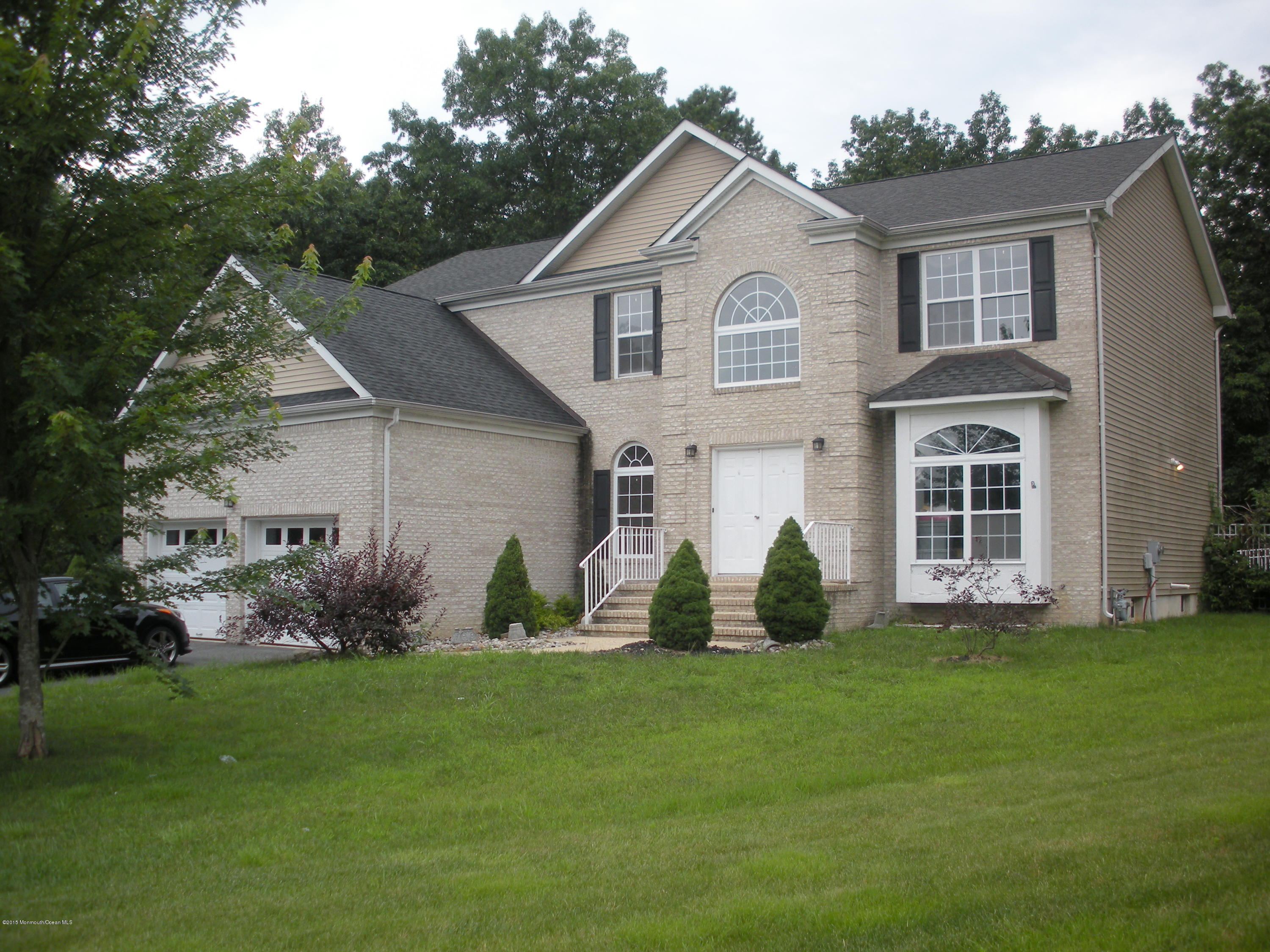 Photo of home for sale at 14 Reuben Court Court, Howell NJ