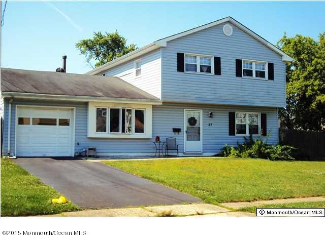 Photo of home for sale at 27 Dublin Lane Lane, Hazlet NJ
