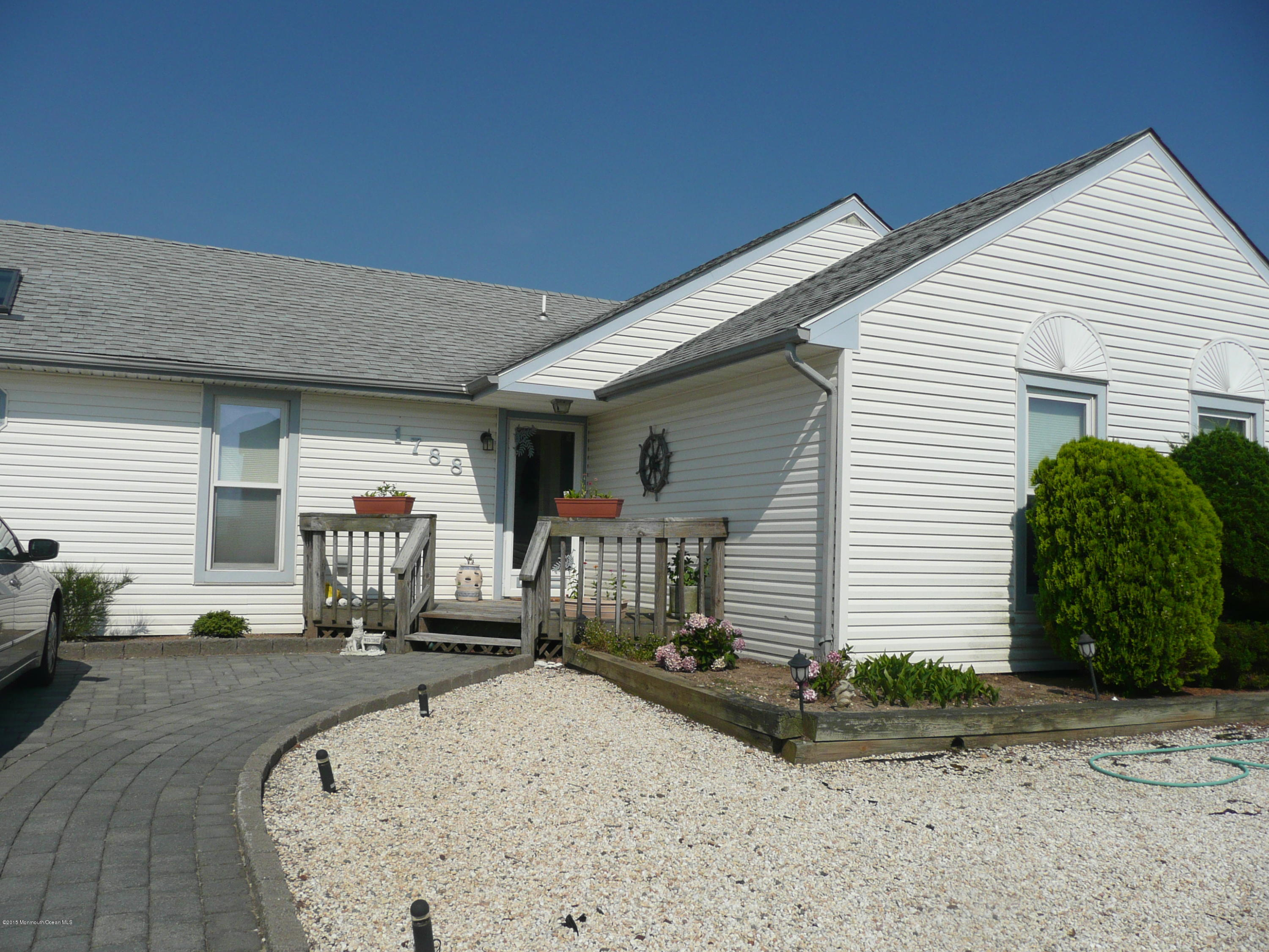 Photo of home for sale at 1788 Mill Creek Road Road, Manahawkin NJ