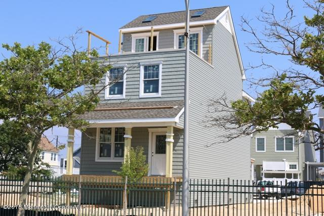 Photo of home for sale at 222 Grant Avenue Avenue, Seaside Heights NJ