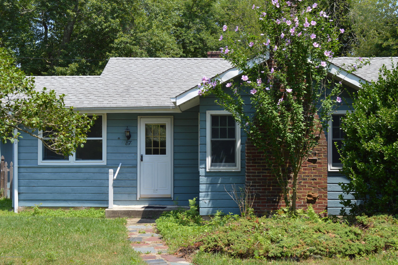 Photo of home for sale at 87 Bonita Road Road, Waretown NJ