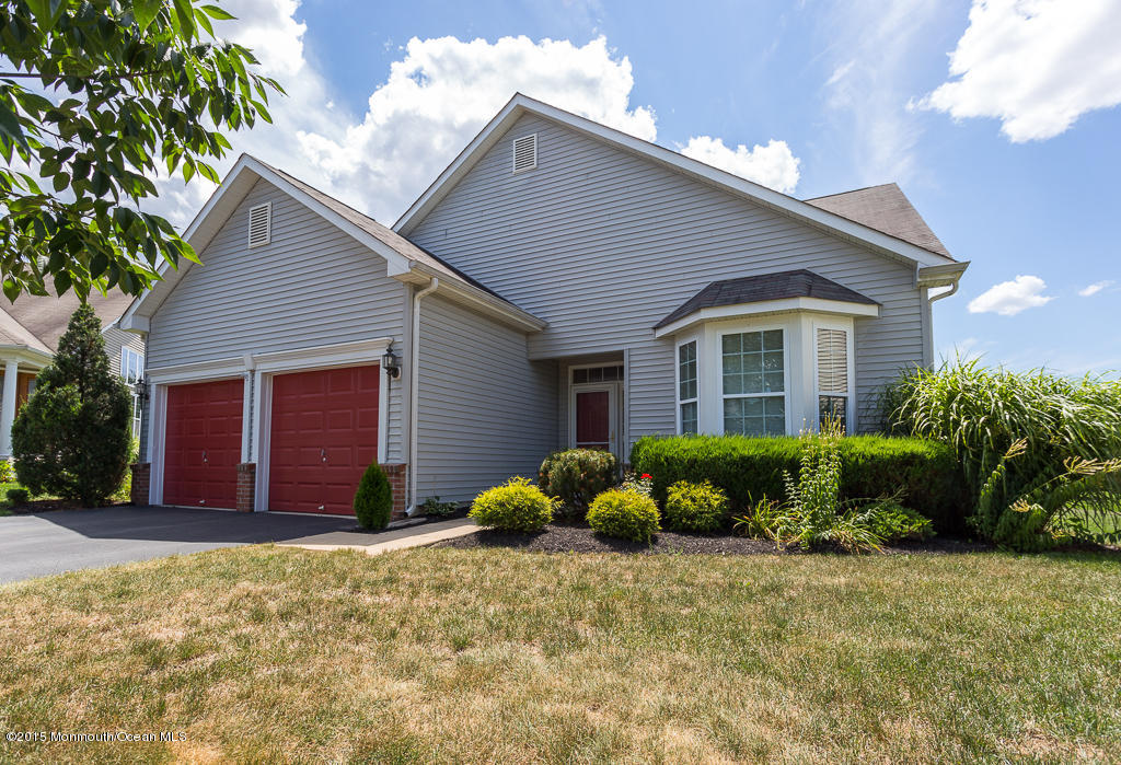 Photo of home for sale at 710 Michael Court Court, Lakewood NJ