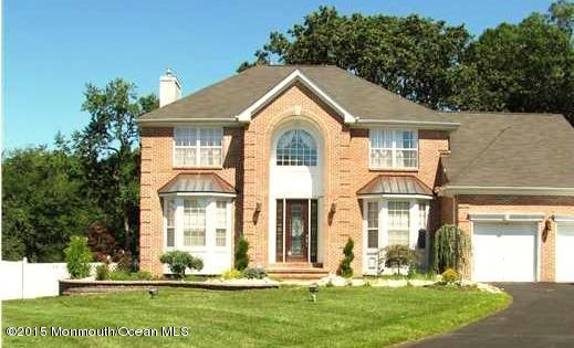 Photo of home for sale at 22 Chiswick Court Court, Jackson NJ