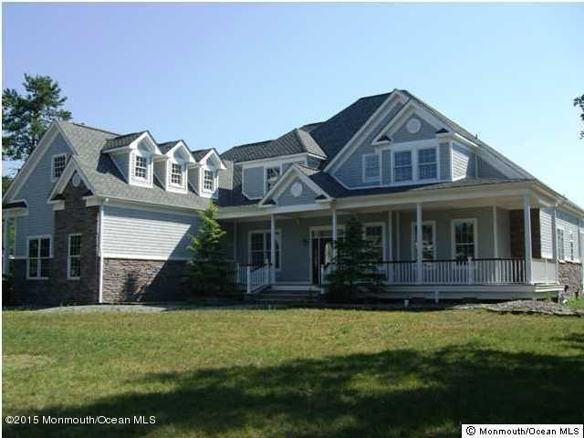 Photo of home for sale at 4 Cranberry Harvest Court Court, Jackson NJ